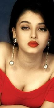 Aishwarya to take Katrina's single night offer.