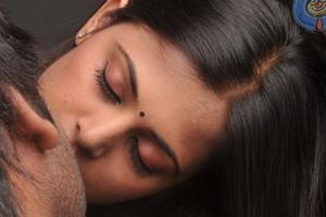 Bujjigadu S Bajji Paapa Romancing With Mallu