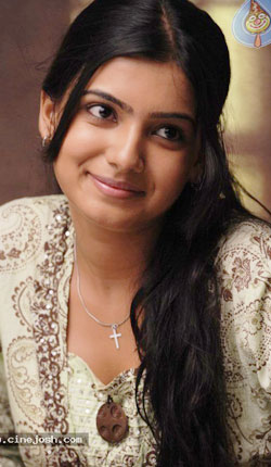 Samantha cleverly escaped Ramcharan!