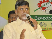 Chandrababu felicitate senior journalists