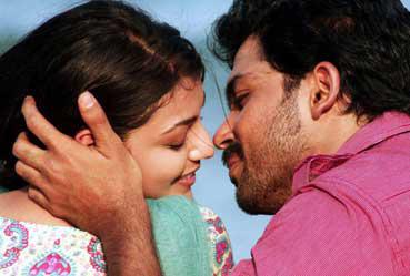 Hero Karthi's hot romanticism