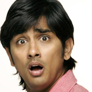 Siddharth attacked by silly fans