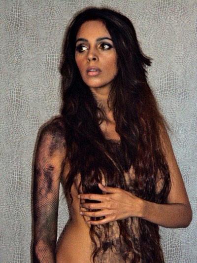 Cameras cheated Mallika's nudity!
