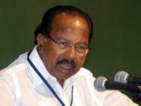 Moily pays tributes to YSR at Idupulapaya
