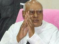 Clarify stand on Telangana : Mukesh Goud to CM, DS