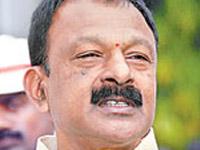 Raghuveera demands Babu's apology