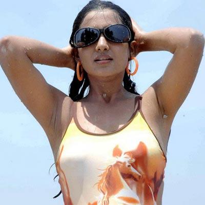 Samanta trap for Tollywood Heroes