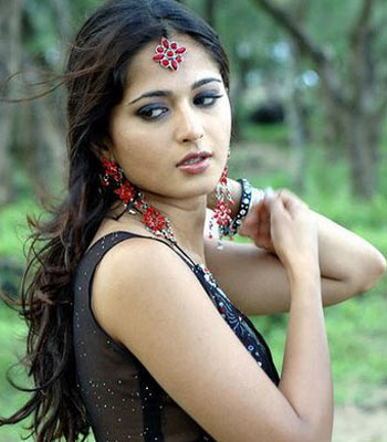 Hot Anushka Vs Evil Anushka!