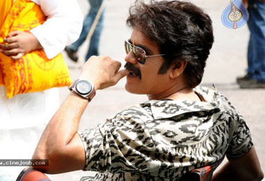 Nagarjuna hurts the Tamil Star Hero