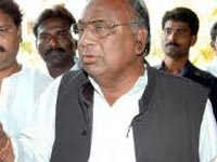No affect on Congress, only few loyalists will leave: VH