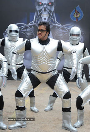 Sunil - The New 'Robot' of Tollywood