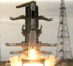 GSLV explodes minutes after takeoff