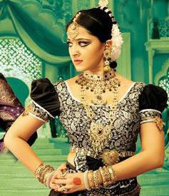 Anushka to join Flop director now