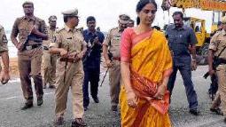 Geetha blast KCR on 'kickbacks' allegations, agrees with Sabitha