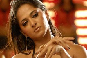 Anushka out of Kamal's movie