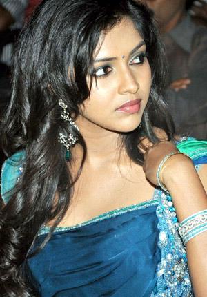 'Vadina' Becomes 'Bharya' for Mahesh