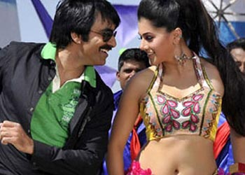 Ravi Teja gets taste of 'T' heat