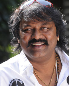 Villain Director for Old Multi Starrer