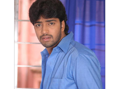 Who is Targeted by Allari Naresh?