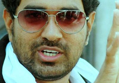 Pawan n Mahesh Confusing Director!