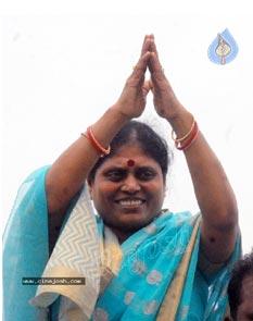 Vijayamma accuses State of neglecting Jalayagnam