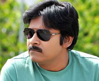 Pawan to Shake a Leg with Four Heroines!