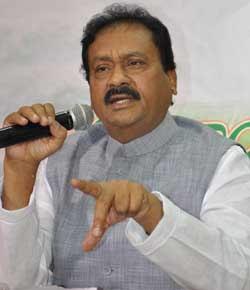 Shabbir Ali asks TS, AP Govt to resolve fee reimbursement tangle amicably