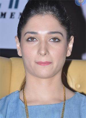 Why Tamanna Away From 'Aagadu'?