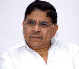Pawan Kalyan Not Missed At Memu Saitam