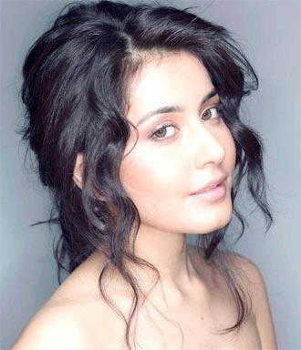 Rashi Khanna Bags Big Opportunity