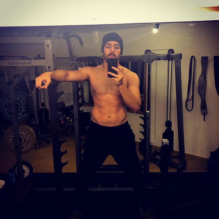 Akhil's Eight Pack Look