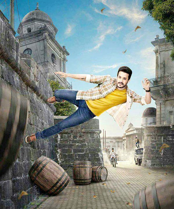 Akhil's Hello and Debut Film Akhil Similarities!