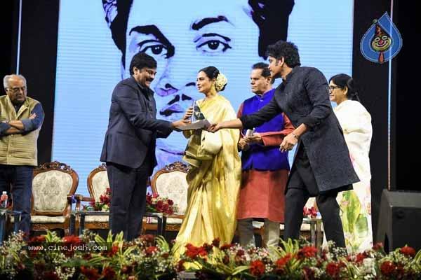 ANR Awards: Rekha Shocked Nagarjuna