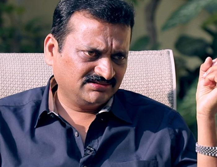Bandla Ganesh and Vijayashanthi's Key Roles in Mahesh Film