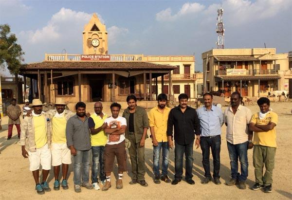 Chiranjeevi Attends Sardaar Gabbar Singh Sets