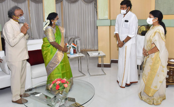 Chiranjeevi Meets Governor and Wishes