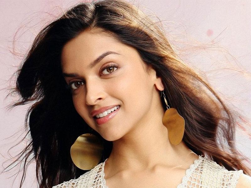 Deepika Padukone Not Romancing Prabhas