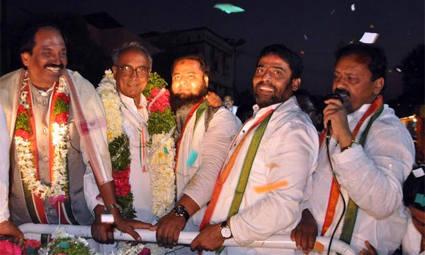 Digvijay Singh leads massive road show in Old City