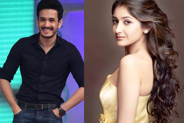 How Akhil's Lip Lock a Sensation?
