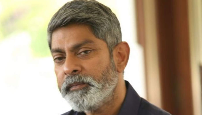 Jagapathi Babu Walks out of Sarileru Neekevvaru