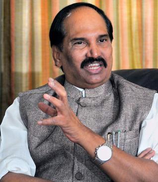 KCR, Harish Rao lying on Pulichintala issue: Uttam
