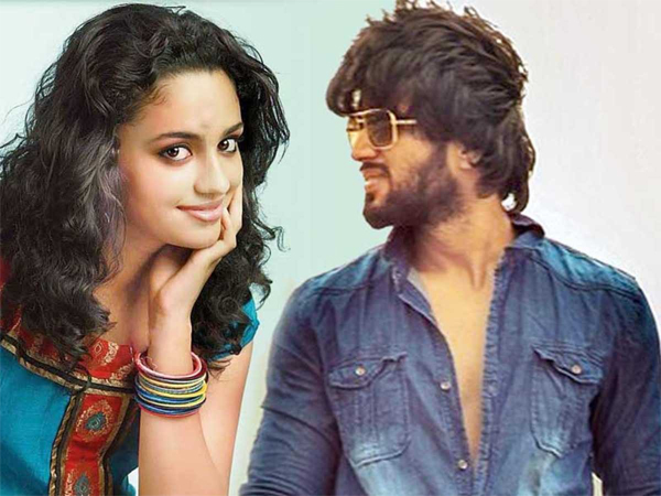 Malavika Nair Close To Vijay Deverakonda