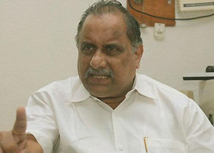 Mudragada Padmanabham to Prefer YSRCP to Janasena?