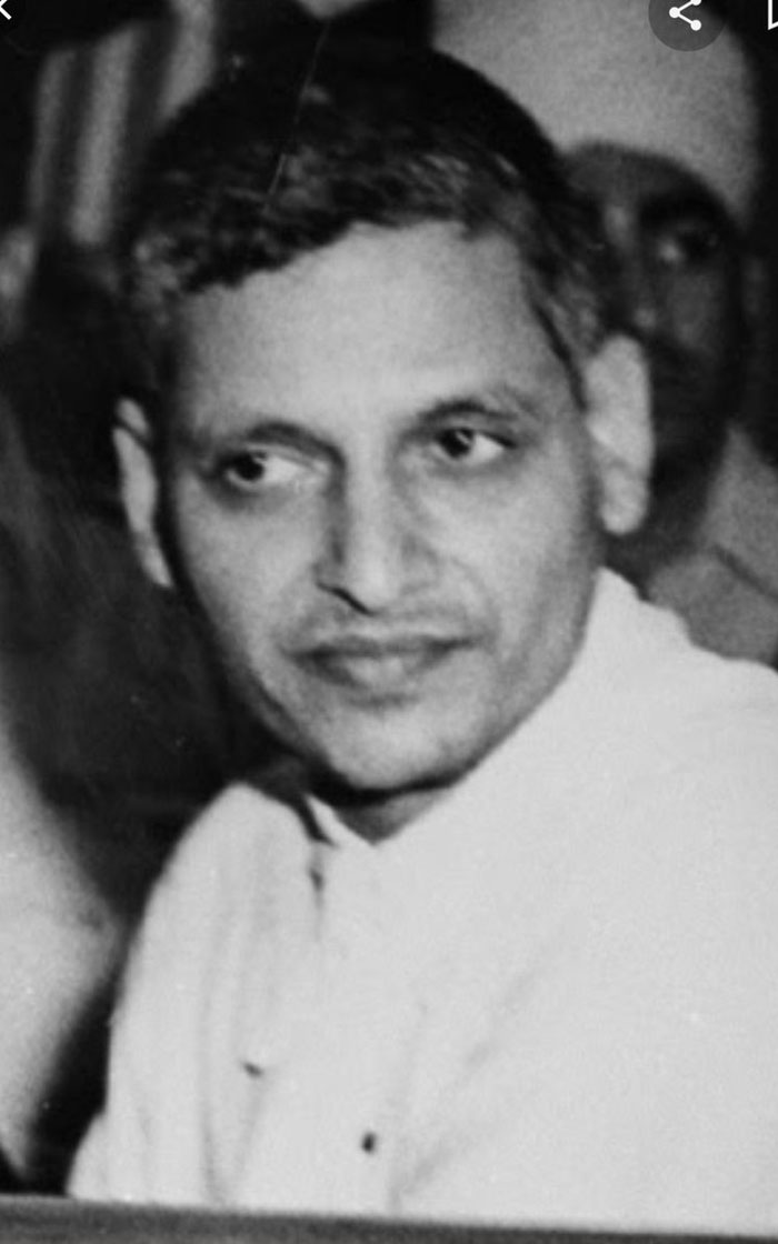 Nagababu Praises Nathuram Gadse