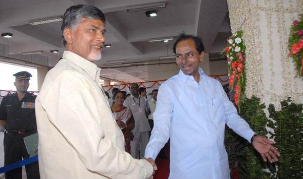 Naidu to personally invite KCR for Amravati's ceremony