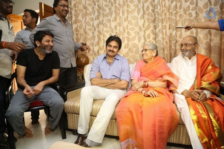 Pawan Kalyan Conveys Wishes to K Viswanath