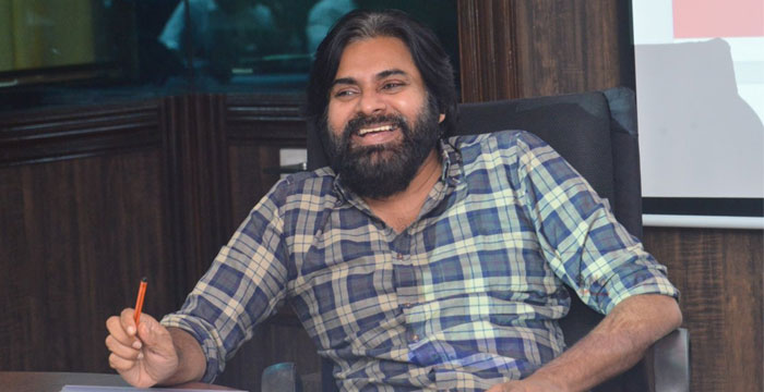 Pawan Kalyan Maybe Cornered by Yellow Media