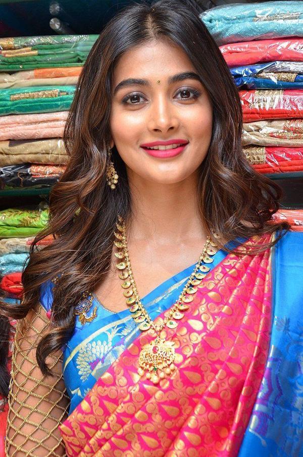 Pooja Hegde shares her saree scares