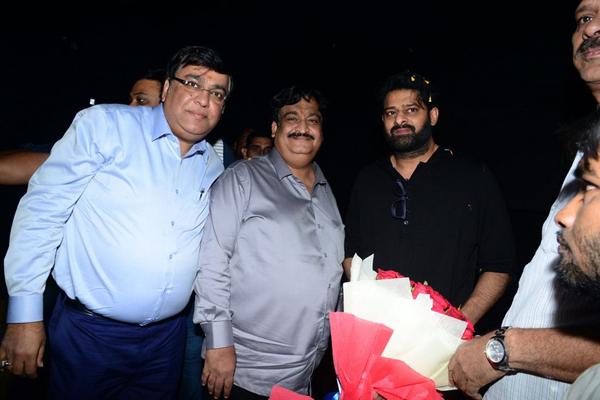 Prabhas to watch Saaho in Mahesh Babu's theatre
