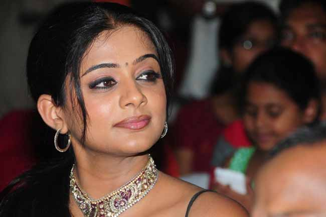 Priyamani As Sasikala In Thalaivi